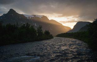 Sunbeam over Visttasjohka