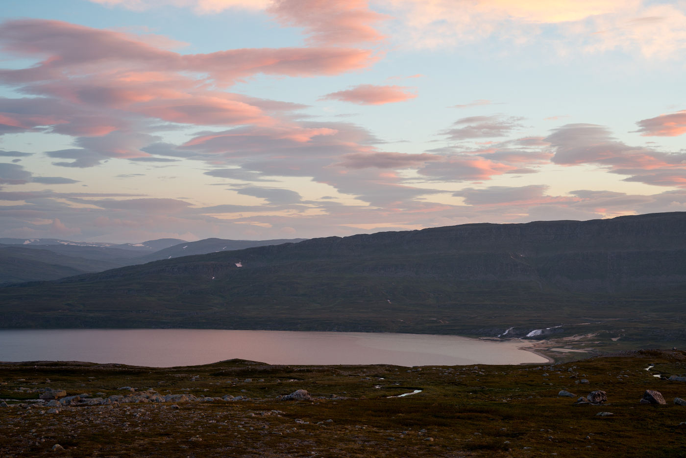 Søre Bjøllåvatnet at sunset