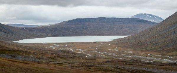 View towards Álggajávrre