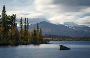 View towards the Tarrekaise massif (long exposure)