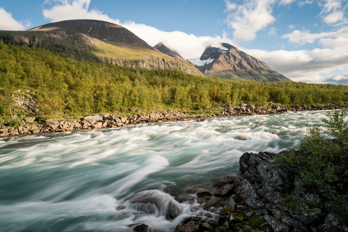 Akka and the Vuojatädno river