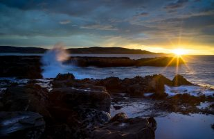 Wave at Curio Bay
