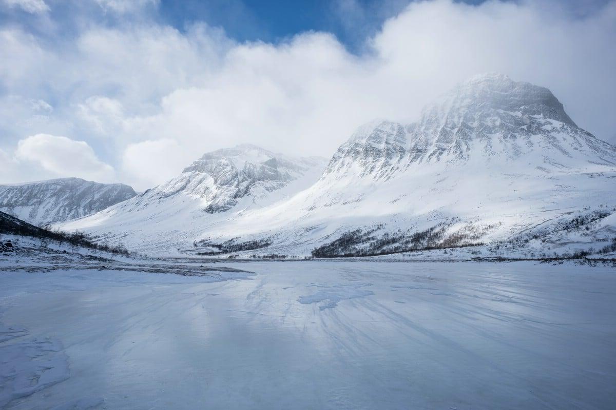 Frozen lake (Visttasvággi)