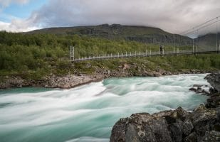 Crossing the rapids of Vuojatädno