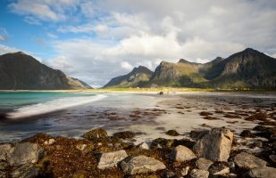 Flakstad Beach
